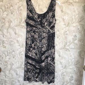 Black/cream Sleeveless Dress